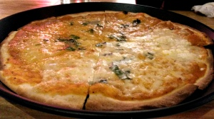Four Cheese Pizza Hoppipola