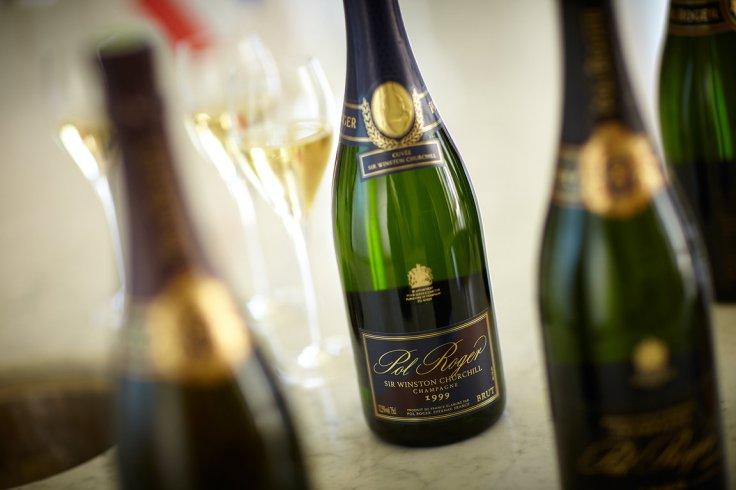 Champagne  colour and liquor