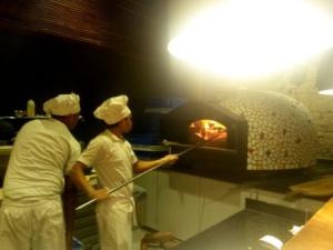 Pizza Metro Pizza Kemps Corner Mumbai (2)