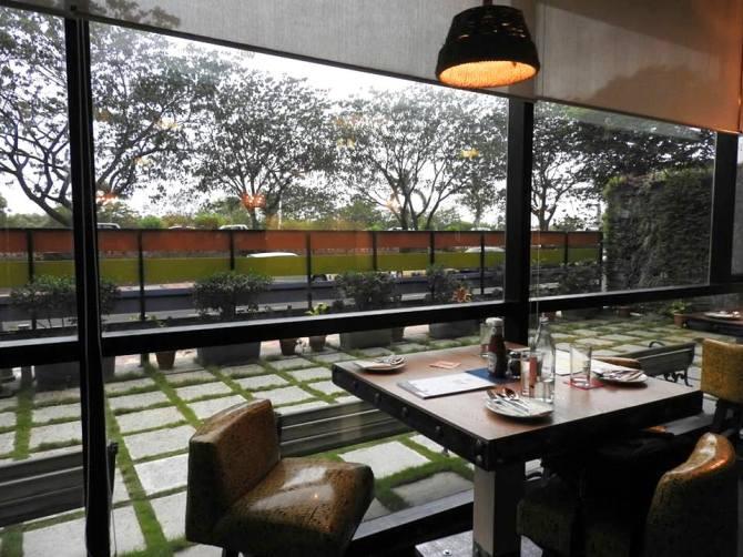B Desi Sanpada Cafe and Bar